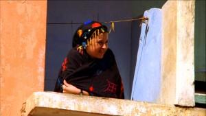 794271610-marrakech-nord-africains-balcon-foulard