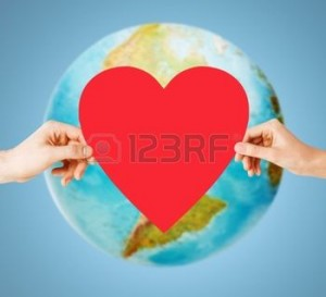 36668053-les-gens-l-amour-la-sant--l-environnement-et-la-charit-notion--gros-plan-des-mains-de-femme-tenant-c